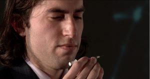 Aaron Traywick, CEO de Ascendance Biomedical, con la inyección del tratamiento DIY para el virus del Herpes