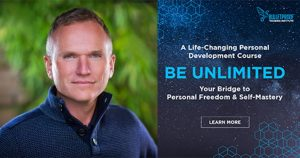 "Foto del Dr. Mark Atkinson y portada del curso ""Be Unlimited"""