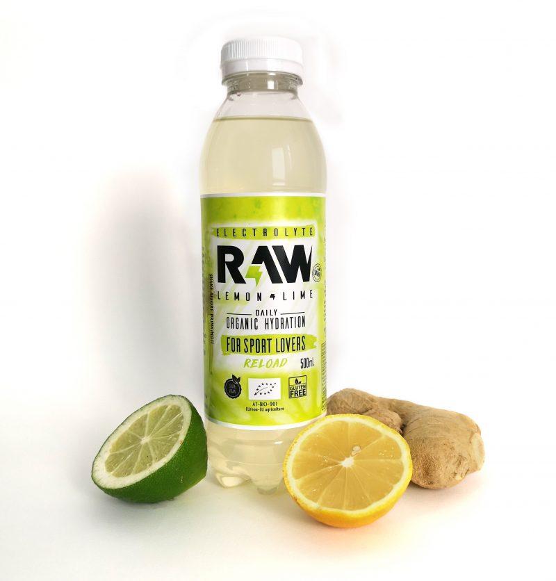 Botella de RAW superdrink con lima, limón y jengibre